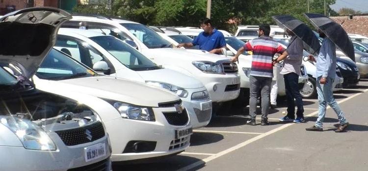 सेक्टर-7 की जगह हल्लोमाजरा में लगा कार बाजार, पर बिक्री नहीं