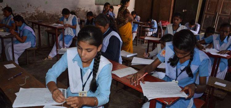 सरकारी स्कूलों में सौ फीसदी दाखिले पर होगा सम्मान, जानिए क्या है सरकार का ये फैसला