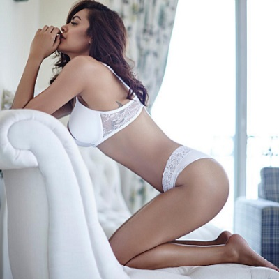 Esha Gupta Hot and Sexy look & Bikini Photo's | Tricity