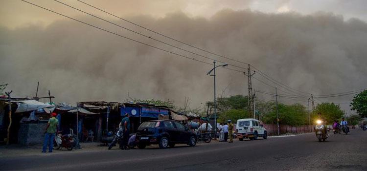 Dust storm hits Chandigarh