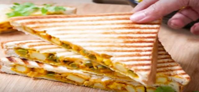 Paneer Korma Sandwich
